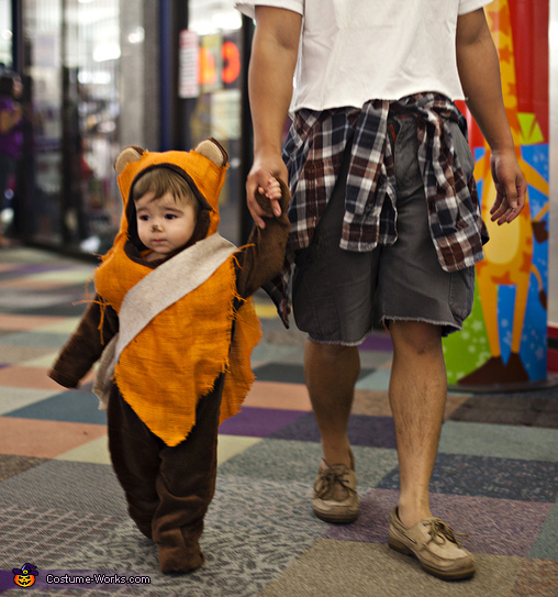 Ewok Toddler hunting for candy!, Ewok Toddler Costume