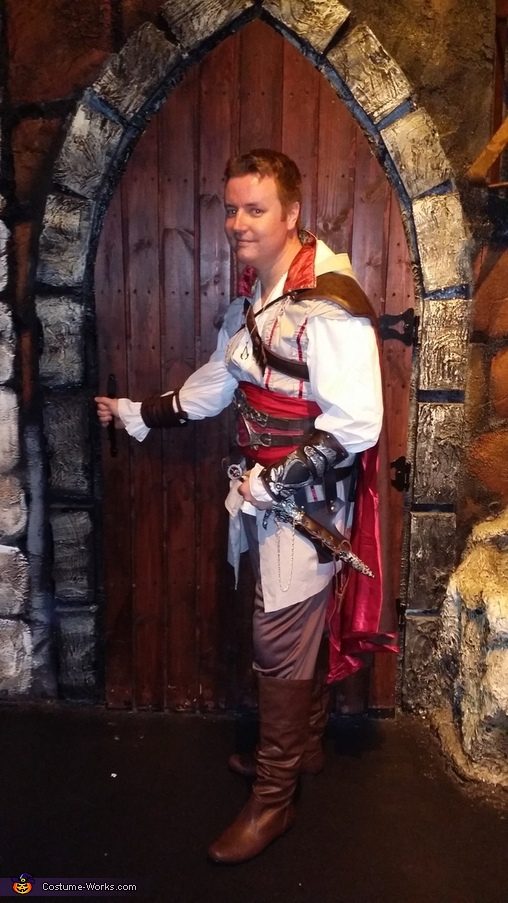Medieval times dungeon, Ezio Auditore Costume