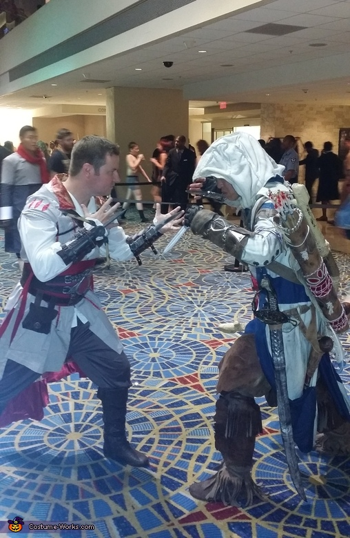 Dragon con ezio vs connor, Ezio Auditore Costume