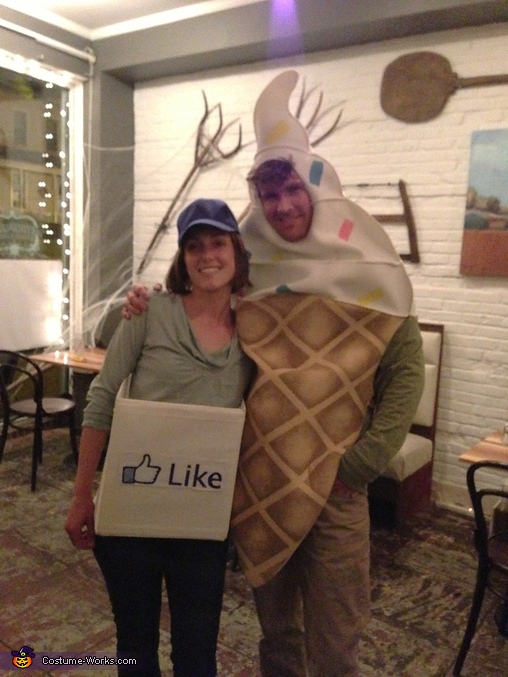 Us Again, Facebook Like Box Costume