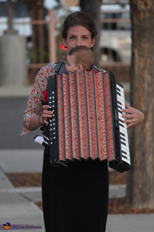 front view, Family Band with Accordion Baby Costume