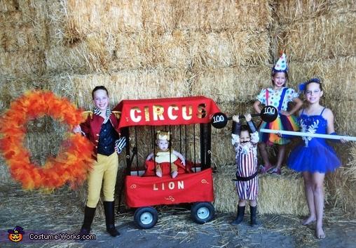 Family Circus Costume