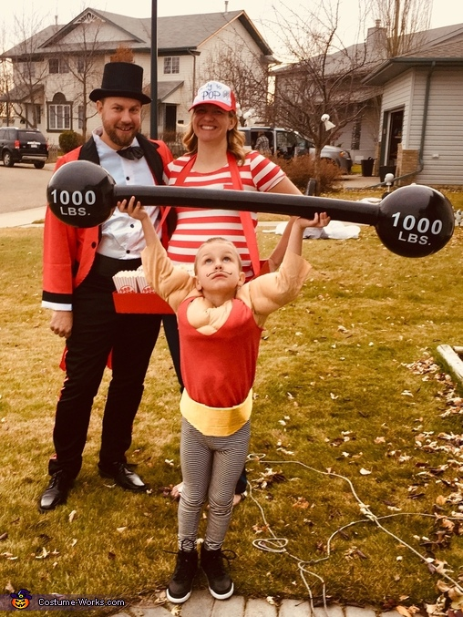 Family Circus - Ready to Pop! Costume