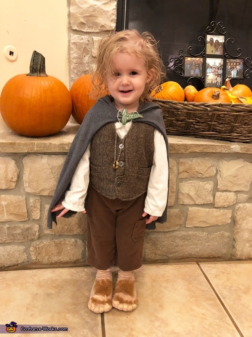 My daughter., Family of Hobbits Costume