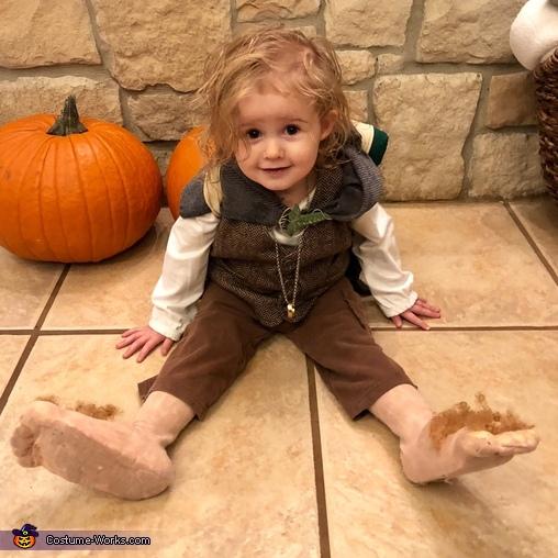 Hobbit feet!, Family of Hobbits Costume