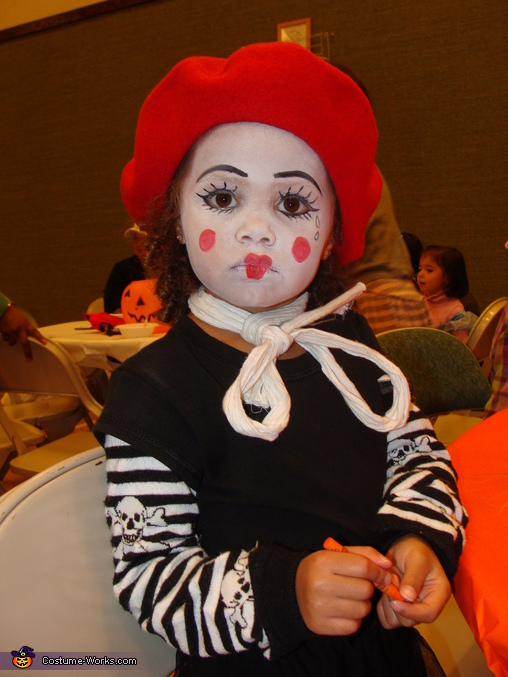 Little Mariah, Family of Mimes Costume