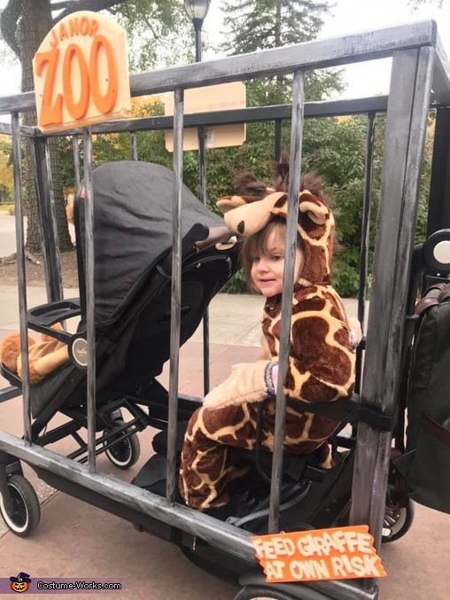 Feed Giraffe at Own Risk, Family Zoo Costume