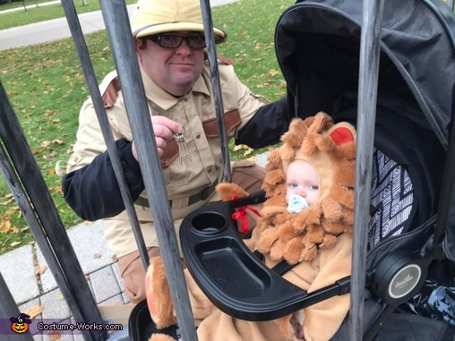 Just a zookeeper and his Lion, Family Zoo Costume
