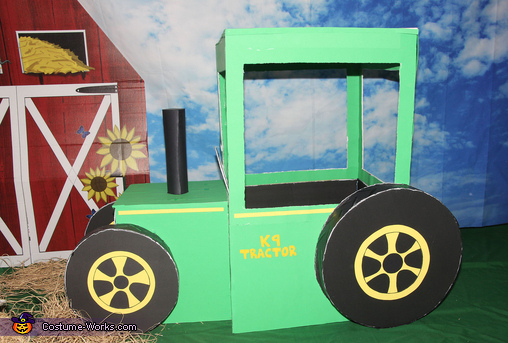 Tractor made from Foamboard, Farmers on the Farm Costume