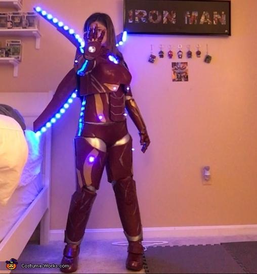 Female Iron Man Repulser Pose, Female Iron Man Costume