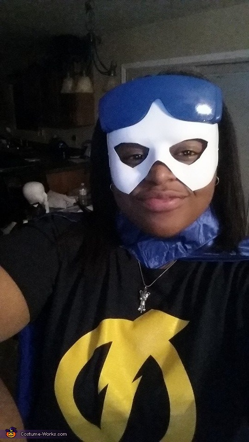 UP CLOSE!, Female Static Shock Costume