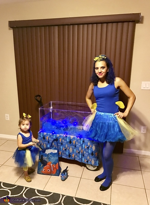 Dory and Dorys mom, Finding Dory Costume