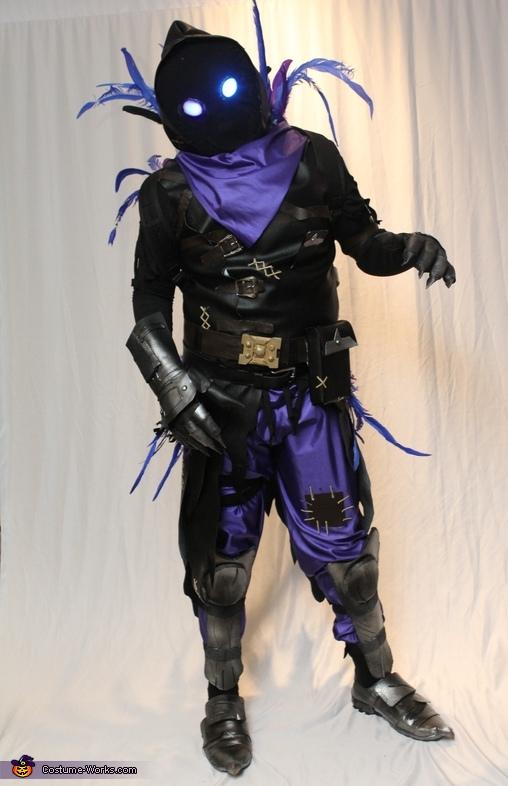 Fortnite Raven Costume