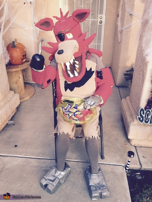 Come and get it Trick-or-Treaters!!!!!!, Foxy from Five Nightts at Freddy's Costume