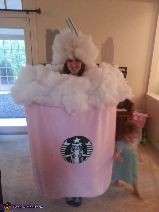 strawberry frappuccino!, Frappuccino Costume
