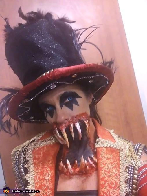 Ringmaster **, Freak Show Ringmaster Costume