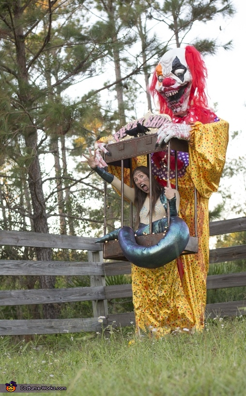 Freakshow Costume in Creepy Flower Field, Freakshow Costume