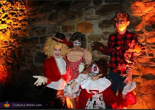 Freakshow flair, Freakshow Costume