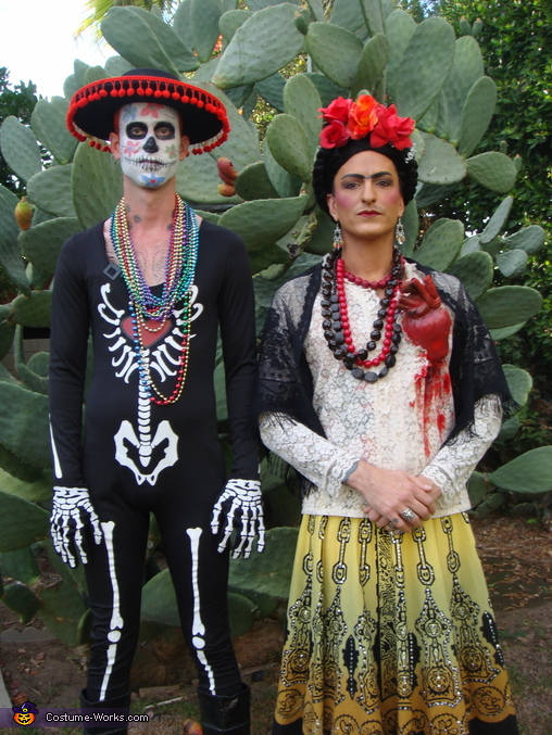 Frida and the skeleton 2, Frida Kahlo Costume