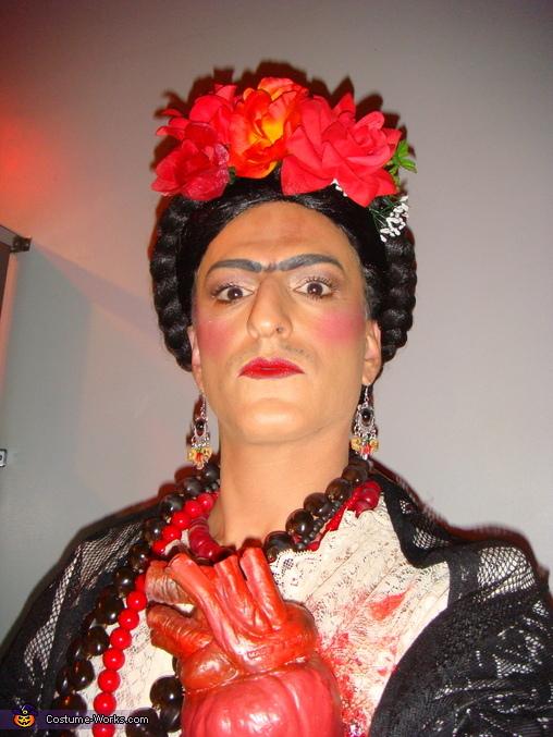 Frida and the heart, Frida Kahlo Costume