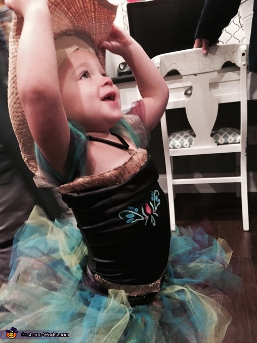 The necklace, Toddler Frozen Obsession Costume