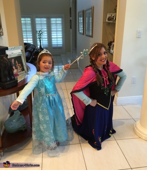 The Frozen touch , Frozen Elsa and Anna Costume