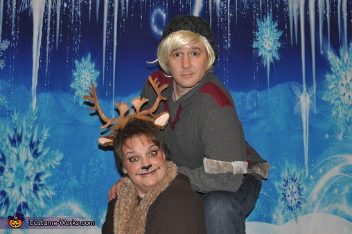 Kristoff and Sven friends til the end, Frozen Family Costume