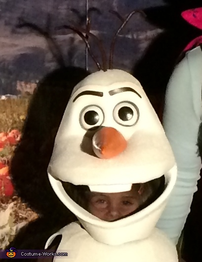 Peeking through, DIY Frozen Olaf Costume