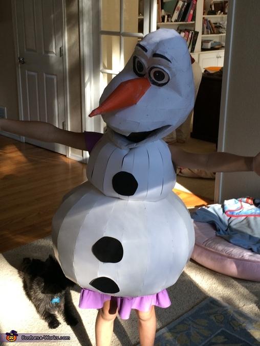 Paper prototype, DIY Frozen Olaf Costume