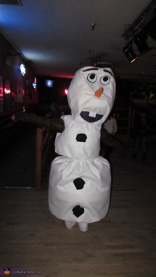 Picture showing how his body moved (I wore suspenders for the bottom piece). I was told the bounce made the costume, Frozen Olaf Costume