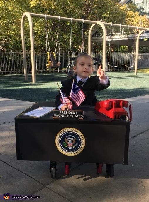 Future President 2047 Costume