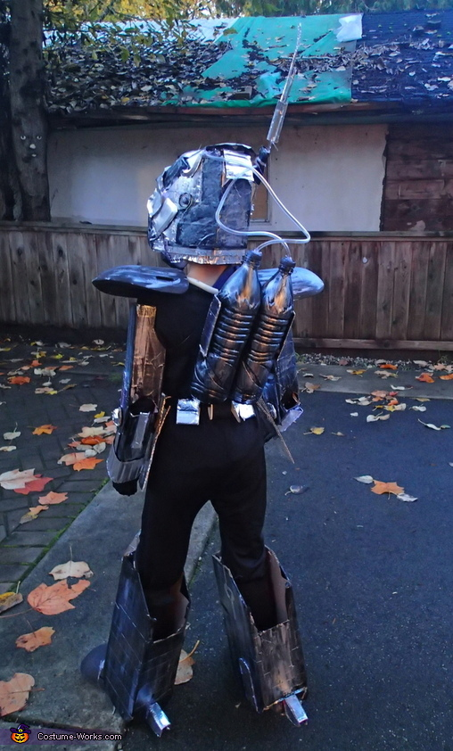 back, Futuristic Robot Costume