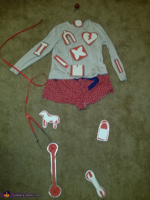Laying out design of outfit., Game Operation Costume