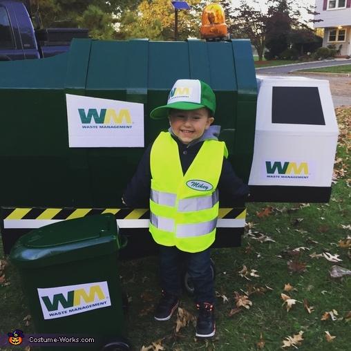 Garbage Man Mikey, Garbage Man Costume