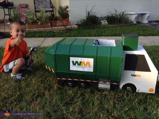 Garbage Truck Side View, Garbage Man with Truck Costume