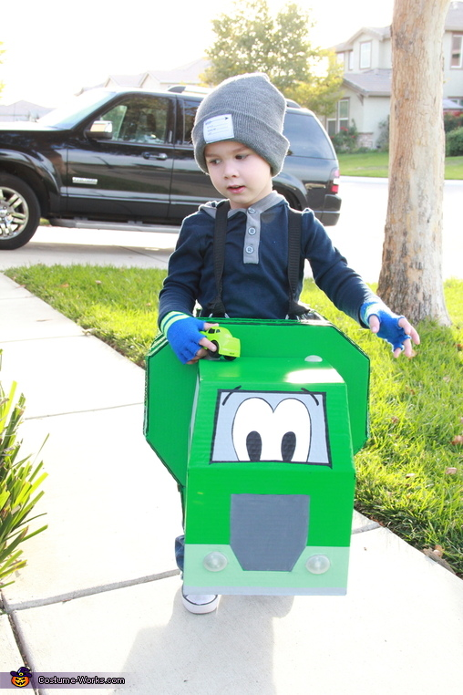 Garbage Truck Costume DIY