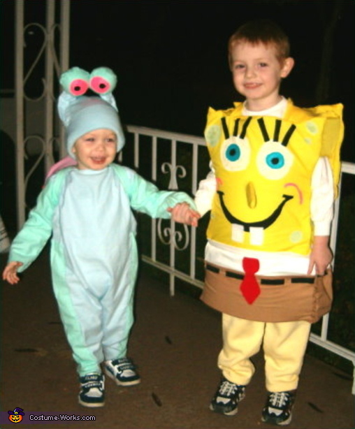 Here's Benjamin, Sponge Bob, again... seen with little brother, Aleck... as Gary the Snail, Sponge Bob Square Pants Costume