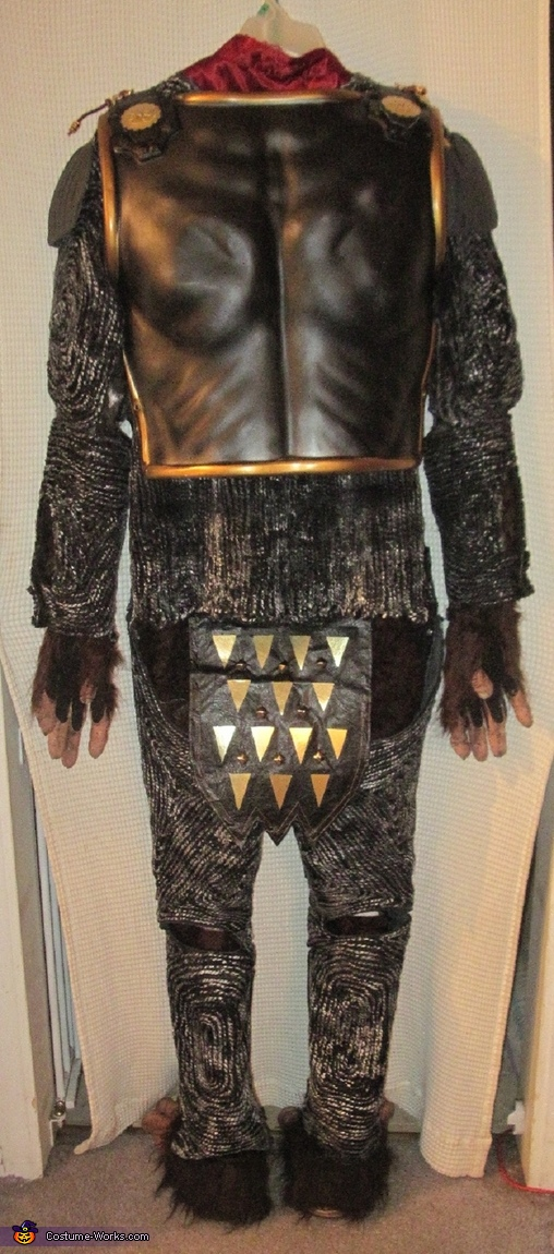 Full back, General Thade Costume