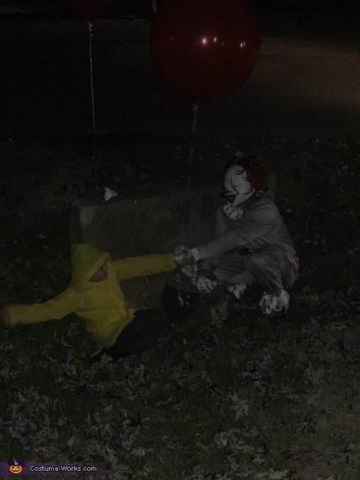 NO !!!!!!!, Georgie and IT Costume