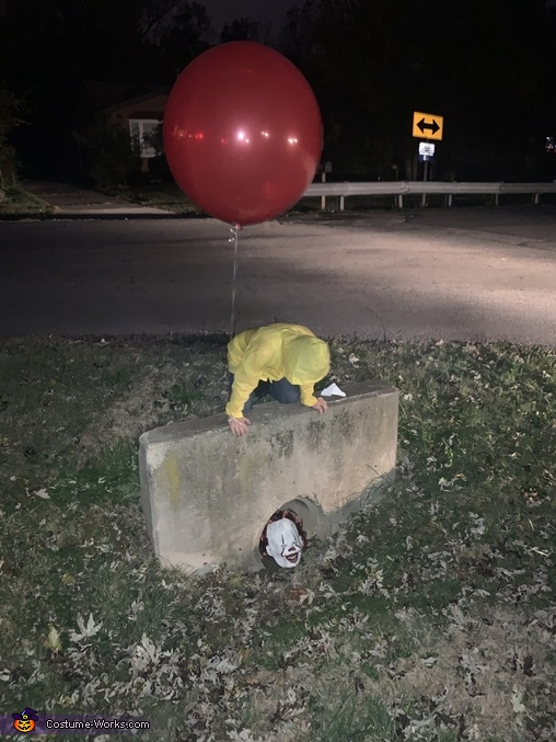 Hey Georgie wanna play, Georgie and IT Costume