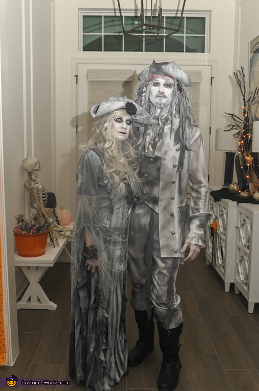 Ghost Pirate Couple Costume