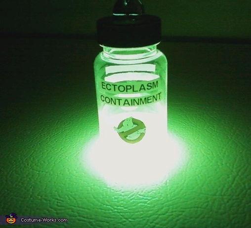 Ectoplasm sample (from glow stick) - neat effect, Ghostbuster Outfit Costume