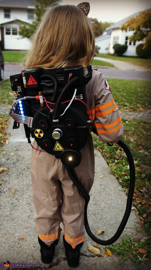 Proton Pack made by Livi's Dad, Ghostbuster with Slimer and the Ecto-1 Costume
