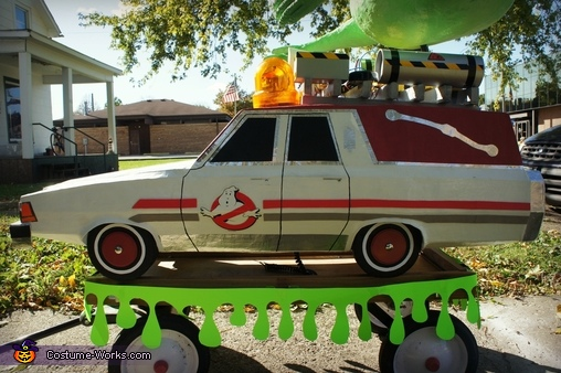 Ecto-1 made of cardboard, paper mache, foamboard, wood, cans, wire etc., Ghostbuster with Slimer and the Ecto-1 Costume