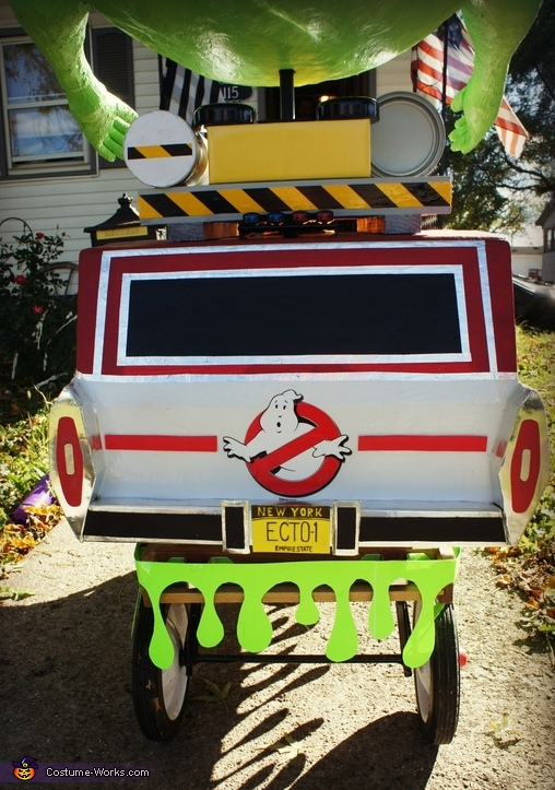 Ecto-1, Ghostbuster with Slimer and the Ecto-1 Costume