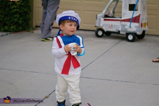Something that could never ever possibly destroy us. Mr. Stay Puft! , Ghostbuster Family Costume