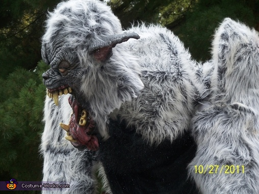 turning its head, Giant Werewolf Costume