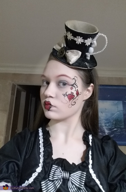 The full make up, Glamorous Wonderland Costume