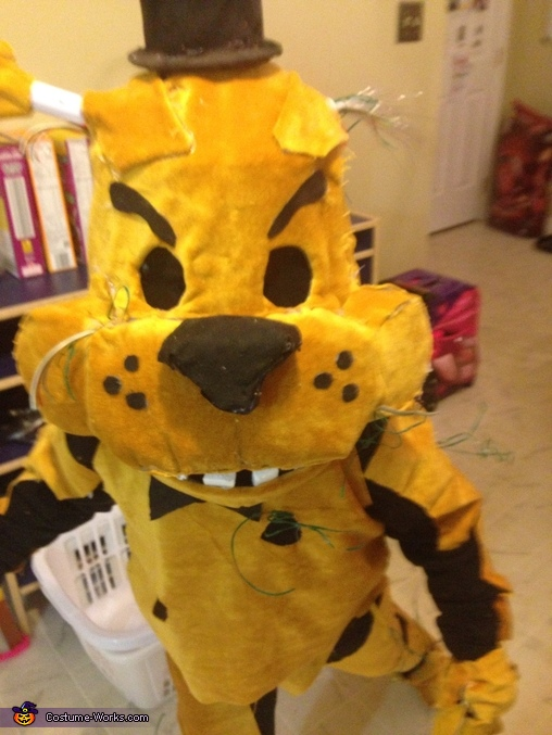 Jump scare 2, Golden Freddy Costume