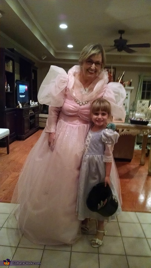 Another trick or treater wanting pic with Good Witch Glinda, Good Witch Glenda Costume